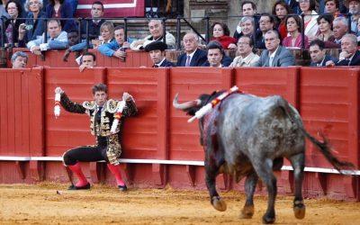 Sevilla: 6ª de abono – Escribano anima una floja corrida de Victorino