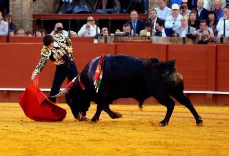 Corrida de toros – Sebastián Castella, José María Manzanares hijo y José Garrido