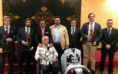 La Asociación Gazuza entregó los premios de las novilladas sin picadores de Sevilla