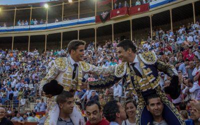 Alicante: 3ª de Feria – Carretero, a hombros en su alternativa junto a Manzanares