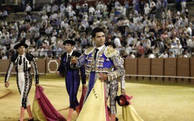 Sevilla: Kevin de Luis, dos volteretas y una oreja