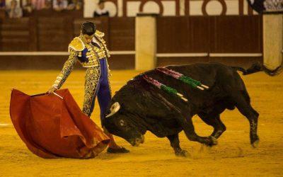 Málaga: 4ª de Feria – Orejas fáciles para López Simón en otro desastre ganadero