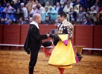 Corrida de toros – Enrique Ponce, José María Manzanares hijo y López Simón