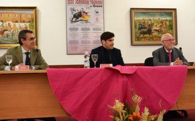 López Simón, trofeo y coloquio en Osuna