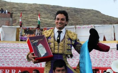 Oliva Soto gana el Escapulario de Oro de Asillo en Perú