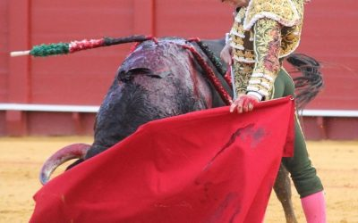 Sevilla: 3ª de abono – Pablo Aguado, de frente por naturales