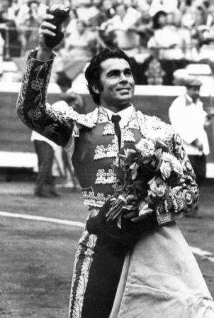 29 de noviembre de 1970: Confirmación de Paquirri en México
