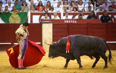 Málaga: 8ª de Feria – Oreja para Talavante en tarde gafada
