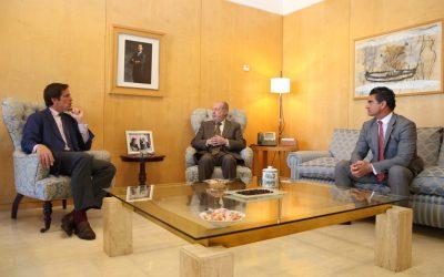 Encuentro de Dávila Miura con el presidente de la Diputación de Sevilla